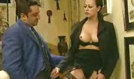 Die vollbusige Amateurin Beryl fickt ihre pornos kostenlos online schauen haarige Muschi