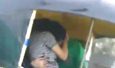 Das vollbusige gratis xxx videos Küken wird vor der Kamera verprügelt