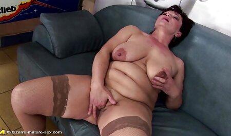 Die heiße Blondine Abbie kostenlose sperma pornos Anderson wird für einen Schwanz geweckt.