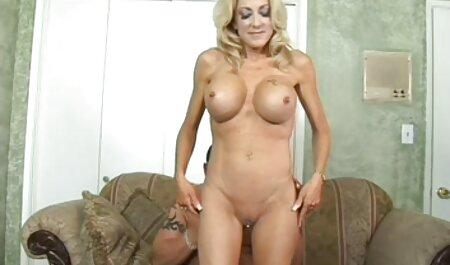 Sexy Teen bekommt vivian schmitt free porn einen Anal auf dem BangBus