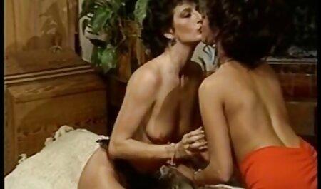 2 heiße Amateur Milfs teilen sich einen Schwanz massage sex gratis mit Cumshot im Gesicht