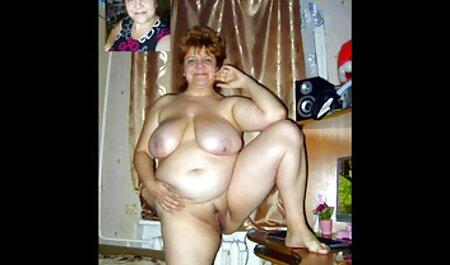 Hot Mom kostenlose pirno masturbiert bis zum langsamen und langen Orgasmus.